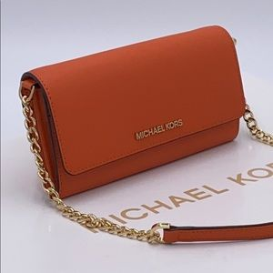 MICHAEL KORS LARGE WALLET ON A CHAIN TANGERINE
